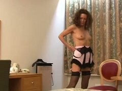 Cougar granny gives harsh handjob