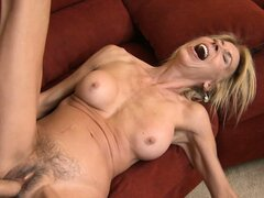 Erica Lauren wasn't a screamer until she got her pussy pounded