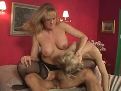 Hot mother-daughter fuck tandem