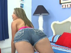 Teen Andrea gets fucked in her tight teen pussy