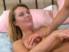 Curvy blonde mommy Brenda James gives blowjob and gets her old pussy eaten