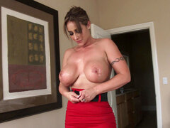 Eva Notty unleashes her huge breasts and does a titjob