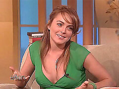 Gorgeous Lindsay Lohan Showing Her Hot Cleavage