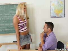 Blonde with lovely tits Vanessa Cage is looking for extra-curricular activities