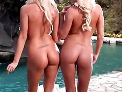 Gorgeous Blonde Twins Get Naked & Wet