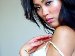 Tight and sexy Asian solo babe