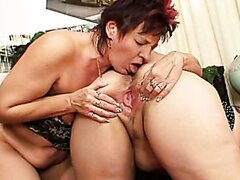Wanda and Majka lesbian video/Wanda and Majka