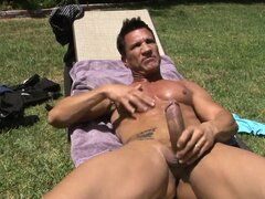 Horny brunette European Jennifer Dark boinked hardcore outdoors