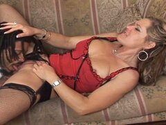 Horny milf temptress likes huge black boner down her old cunt