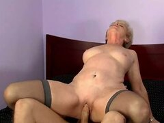 Hot blonde mom Mrs Jewell is poked in missionary position