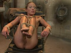Bianca Arden and Kathia Nobili tied naked on chair