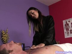 Tattooed brunette masseuse gives a massage and massages dick with mouth