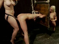 Rampant Aiden Starr & Lorelei Lee toy fuck this babe