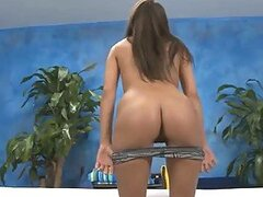 Beautiful Teen Erin Stone Shows Her Hot body Before Giving A Massage