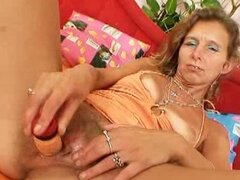 Hairy czech cougar toying her muff