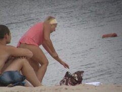 Beach nudist girls show hot asses and great naked boobs