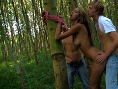 Teen gets banged in outdoor