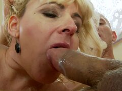 Old lady fucked in her shaved pussy