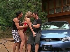 Lustful Blonde Carolyn Reese Gets Fucked In a Hot Outdoor Threesome