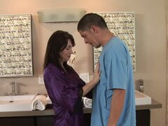 Voluptuous busty cougar Rayveness gives nuru massage for the first time