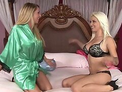 Hot blond call-girl got some lesbian tricks to show
