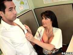 Horny office worker pounces on her fit manager�s hard schlong