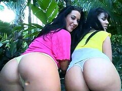 Jayden and Elena have a wonderful foursome fuck in the garden