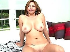 Full Throttle Fucking For A Busty Latin Mommy