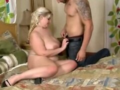 bbw blonde  sucks a dick