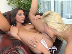Clara G and Zafira eat pussy, finger it, and sit on face to be eaten