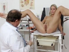 Dirty girl masturbates for her doctor