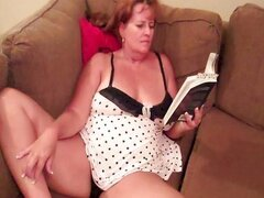 Hot Chubby GILF rubbing one out