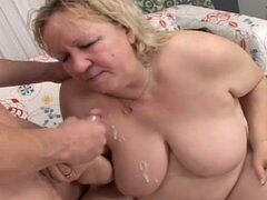 Blond and fat milf squirts after getting banged