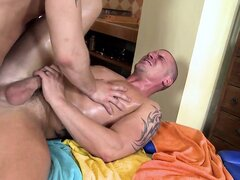 Hot massage turns into some gay loving with a cumshot on the face