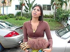 Mexican babe agrees to bang...