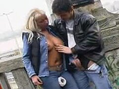 Handjob in the city 1
