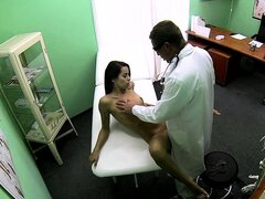 Reality patient seduced by her doctor