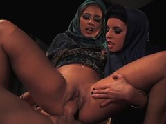 Arab sluts in threesome sex