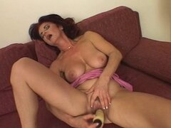 Brunette hot granny fucks herself...