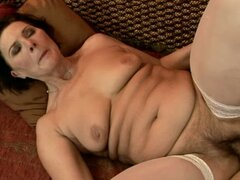 mouthful of cum for mature woman