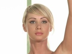 Nude blonde Sara Underwood does some yoga exercises