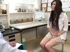 Kinky Kaede Niiyama gets pounded in a doctor's office