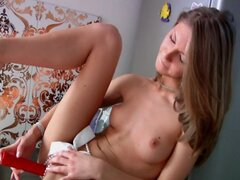 Russian So excited piss erupts from her vagina