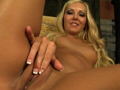 Aaliyah Love enjoys glass toy in solo