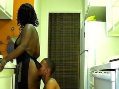 BIG ASS EBONY FUCKED IN THE KITCHEN !!