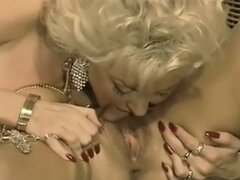 German Dolly in lesbian threesome
