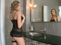 Berinice Loves Having Kinky Bathroom Fantasies