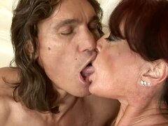 Mature Woman Fucked In The Pussy