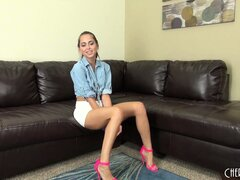 Attractive blonde Riley Reid has a sexy body, a lovely smile and striking green eyes