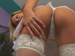 Bride Carol Goldnerova is fingering her trimmed pussy